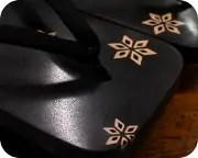 紋紗塗り大角に黒無地タピール丸花緒 前壷
