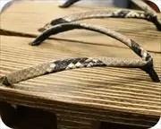 焼き・砥の粉磨き大下方に黒裏ニシキヘビ革花緒 花緒