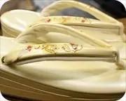 2の3枚芯本革エナメル草履に螺鈿入り夫婦花緒 花緒