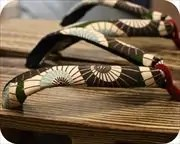 焼き砥の粉芳町に蛇の目傘柄花緒 花緒