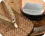 茶パナマ草履に蜻蛉柄印伝花緒 花緒