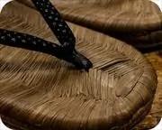 烏表草履に市松柄印伝花緒 前壷