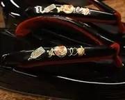 五分三枚芯本革草履に螺鈿エナメル夫婦花緒 花緒