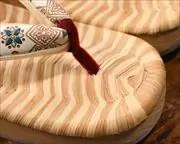 縞表付き舟形に花菱柄文庫革福林花緒 前壷
